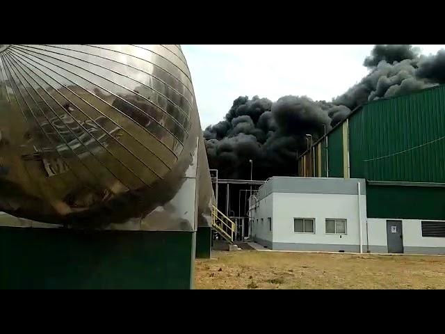 Incendio en la planta AcaBio. Fuente: a quien corresponda