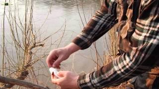 Рыбалка в РФ на речке весной на самолов-капканчики.