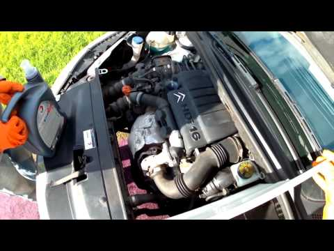 Oil Change on a 2007 Citroen C4 1.6 HDi. Part 2: Oil filter, washer and filling with oil