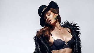 Unretouched Cindy Crawford photo Sparks Discussion About Beauty [PHOTOS]