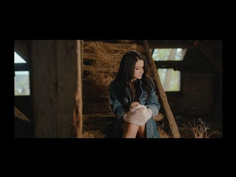 Jula - Nieistnienie [Official Music Video]