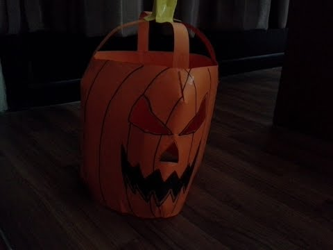 How to make an easy paper jack-o-lantern mask (HALLOWEEN edition).