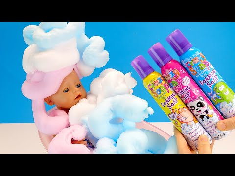 Как Мама и Беби Бон Алиса Играют с Цветной Пеной в Ванне Куклы Пупсики 108мама тиви