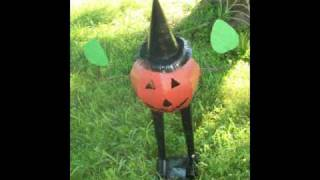 Folky Fall And Halloween Decorations And Yard Art
