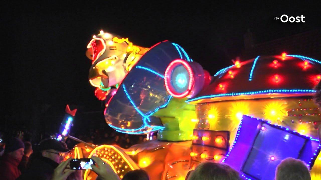 verlichte carnavalsoptocht lemelerveld finale van alle optochten in de regio