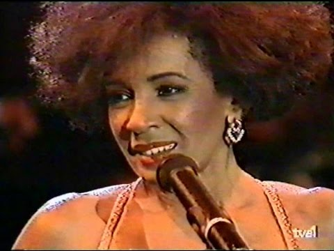 Shirley Bassey -Live at the Costa del Sol 1990-