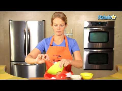 How to Make Blue Cheese Dip for Chicken Wings