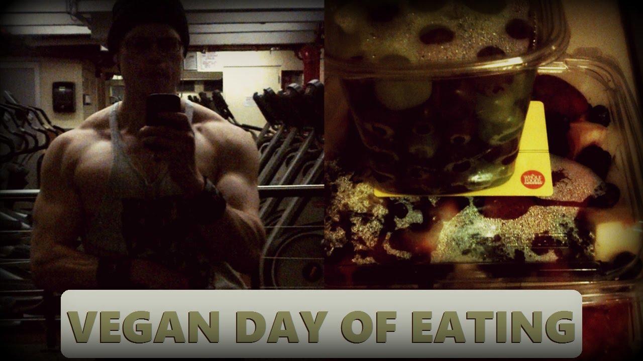 What This Vegan Bodybuilder Eats In A Day [Intermittent
