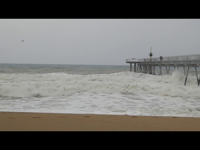 El temporal de mar de la Setmana Santa de 2019 - Badalona
