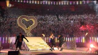 Jennifer Lopez bei Wetten Das??? mit dem Titel On the floor (18.06.2011) in Malle