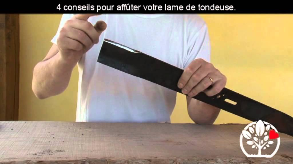 4 conseils pour aff ter votre lame de tondeuse youtube. Black Bedroom Furniture Sets. Home Design Ideas