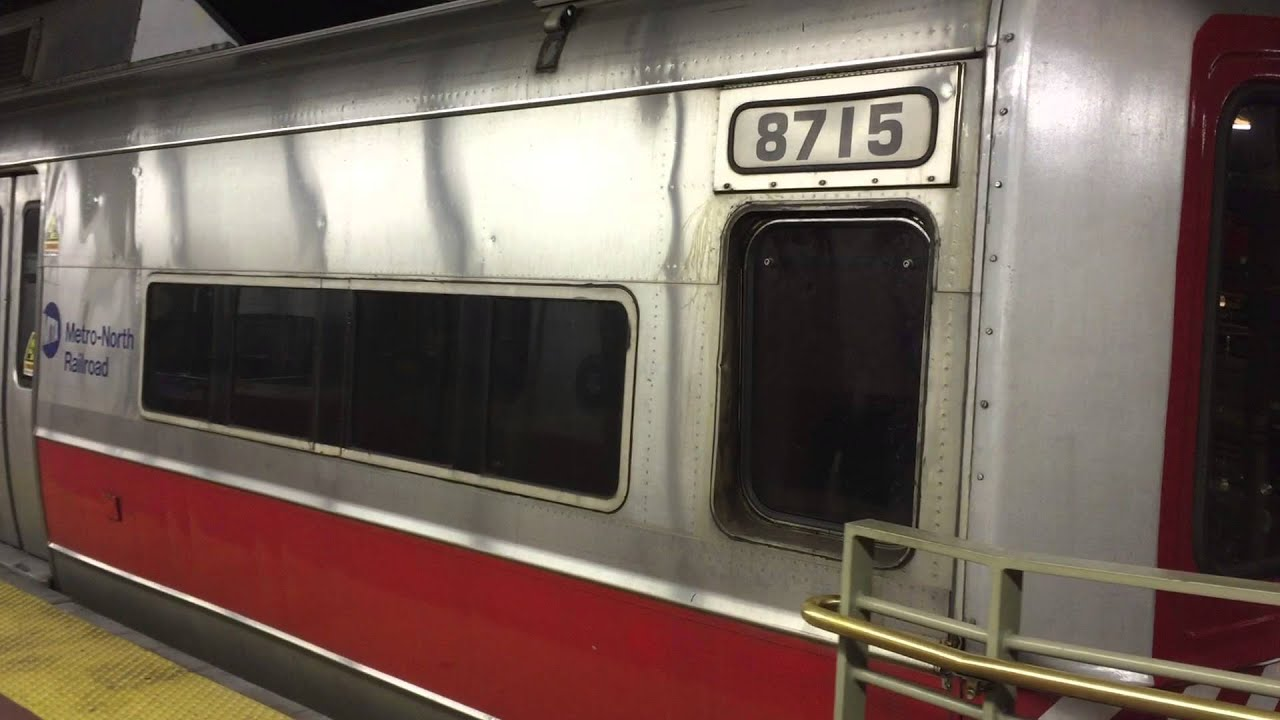metro north railroad hd m2 m4 9 car set arrives grand central terminal and dumps 12 27 14. Black Bedroom Furniture Sets. Home Design Ideas