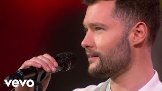 Download Calum Scott - Dancing On My Own (Live on GMA) MP3 song and Music Video