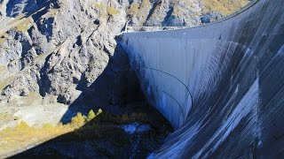 Land of the Dams - large dams in the swiss Alps