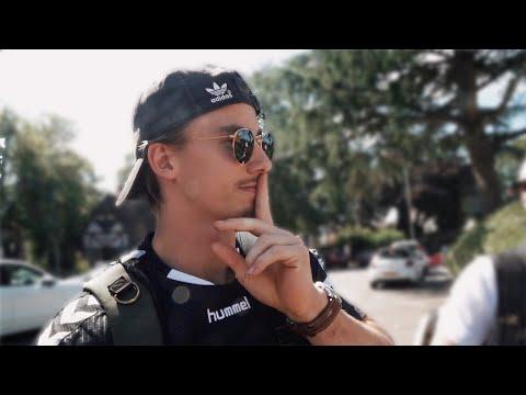 vlogging-in-silence