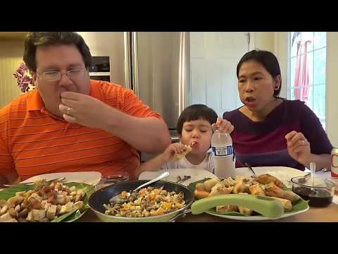 Eating Filipino Food | John has a Filipino dinner with his mommy and daddy
