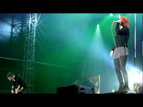 [HD] Paramore- Monster LIVE | Rock For People '11