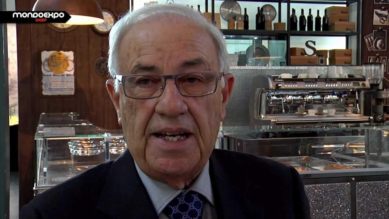 Arredamenti per locali bar gelateria panetteria al sigep for Arredamenti per locali commerciali
