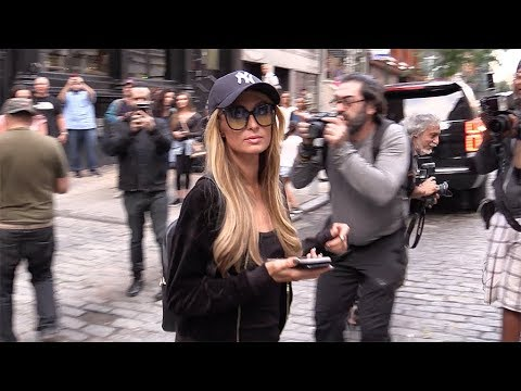 Paris Hilton and her boyfriend Chris Zylka shopping in New York