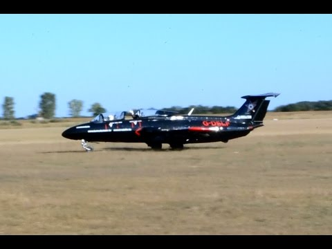 В харьковском аэроклубе есть один собственный и 2 частных самолета л-29, еще 2 – планируется приобрести. Все самолеты л-29 оборудованы.