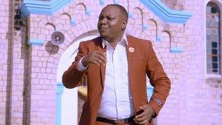 Christopher Mwahangila - HAKUNA KAMA WEWE MUNGU (Official Music Video)
