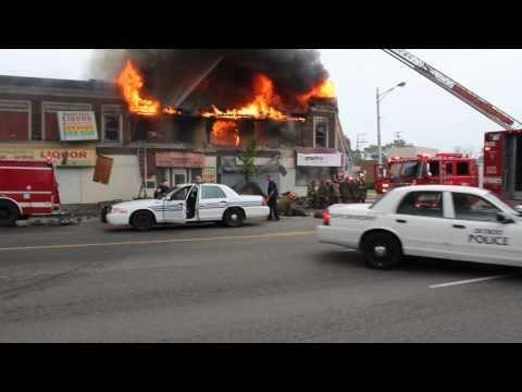 Detroit 2nd Alarm E Jefferson Ave & Drexel St (Aug 13th 2010)