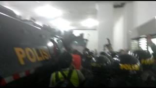 Laga Berakhir Rusuh, Skuad Persija Jakarta Diamankan Menuju Rantis
