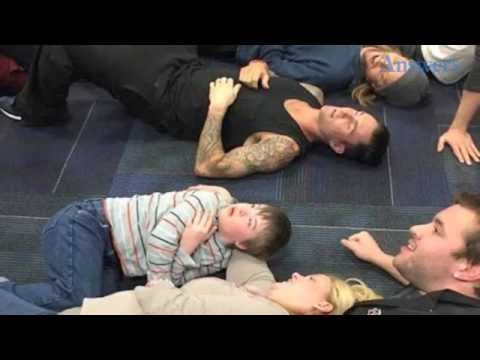 When Adam Levine's Biggest Fan Had A Panic Attack While Meeting Him He Handled It Perfectly