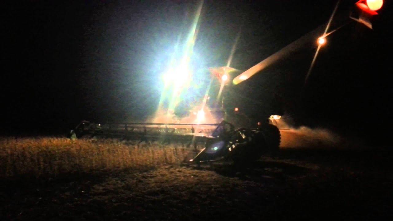 John Deere 9870 Harvesting Soybeans At Night Youtube