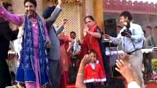 dr gill with family doin bhangra on gurdass maans song.mp4