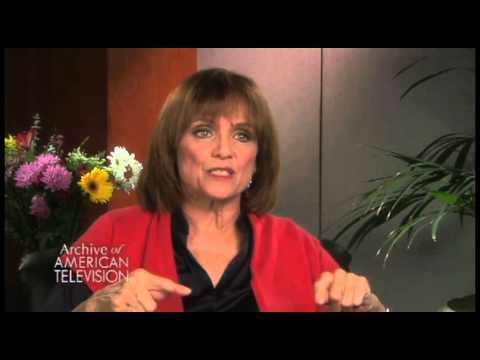 Valerie Harper describes Paul Newman as a Director- EMMYTVLEGENDS.ORG
