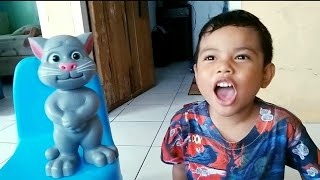 Zefa vs Tom ❤ Funny Video for kids
