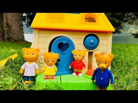 FISHER PRICE Little People Toy House DANIEL TIGERS NEIGHBOURHOOD Video!