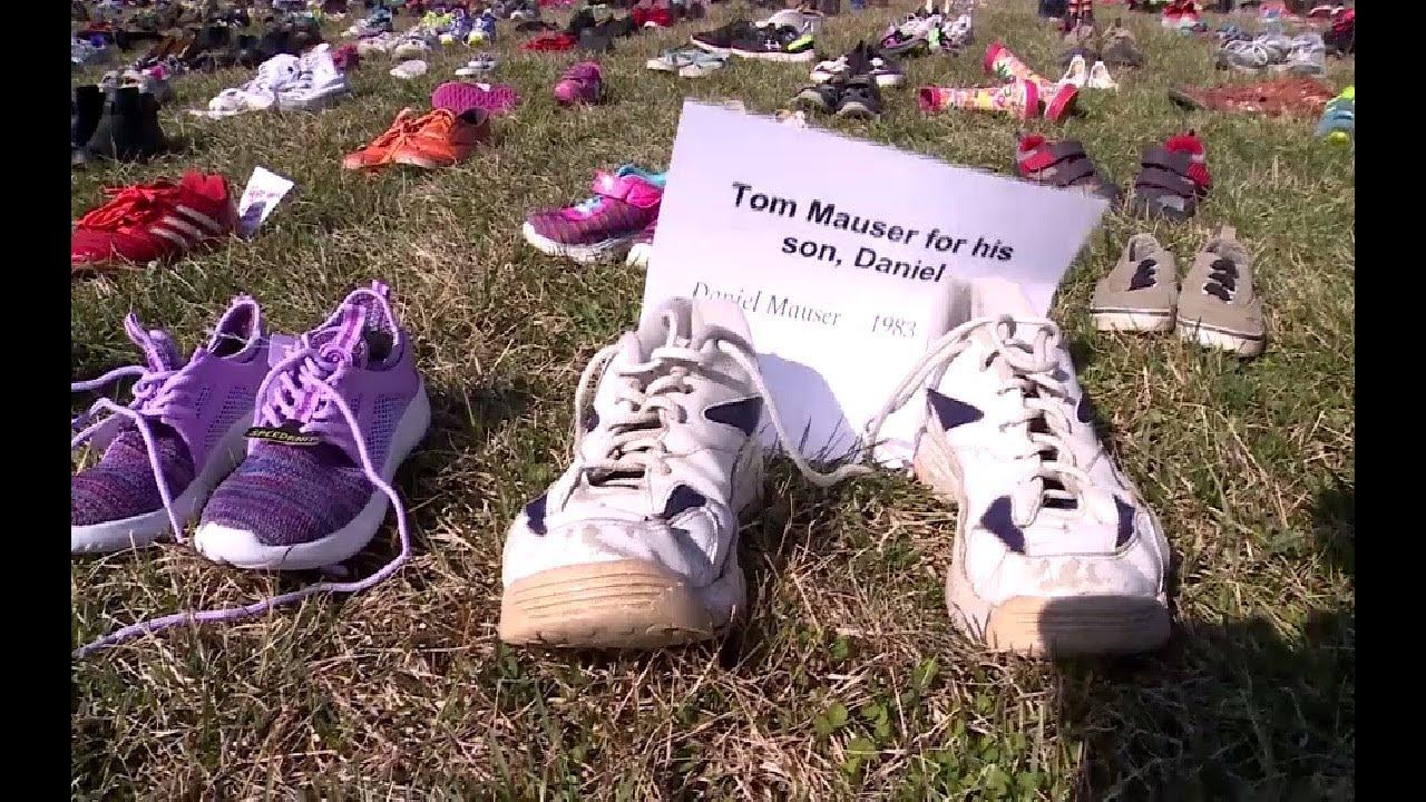 7 000 пар детской обуви у Капитолия: в США прошла акция против огнестрельного оружия