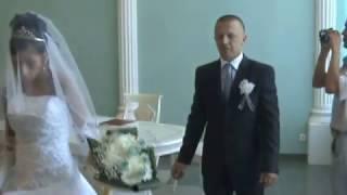 свадьба невеста плачет