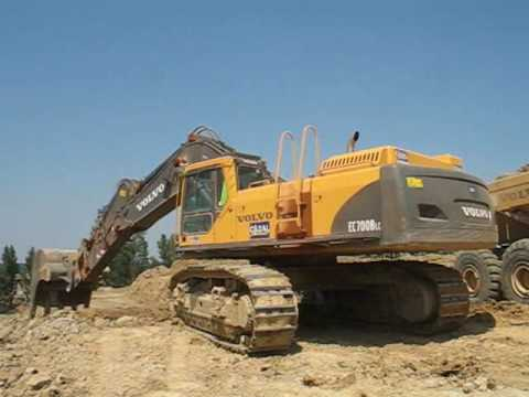 Volvo EC700B and A40D - YouTube