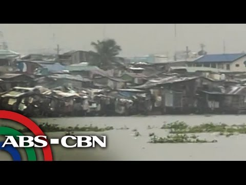 Manila coasts brace for possible storm surge