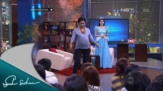 Sarah Sechan - Sandra Dewi mendapat tantangan lomba makan mie bareng Sarseh