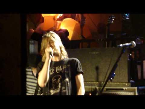 Puddle of Mudd - stoned - Live - Phoenix Hill.MP4