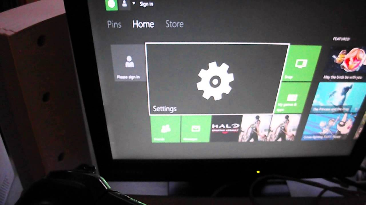 How To Connect An Xbox One Ps4 To A Vga Monitor Youtube