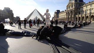 Libérons Le Louvre : Pétrole ad nauseam au Musée du Louvre
