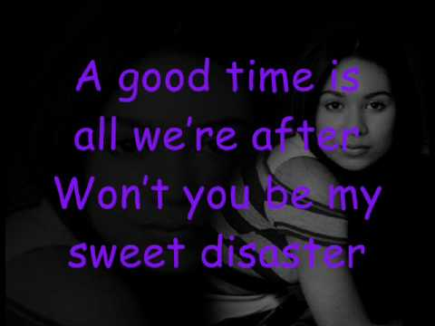 Cassie Steele - Crash my Party(Lyrics)