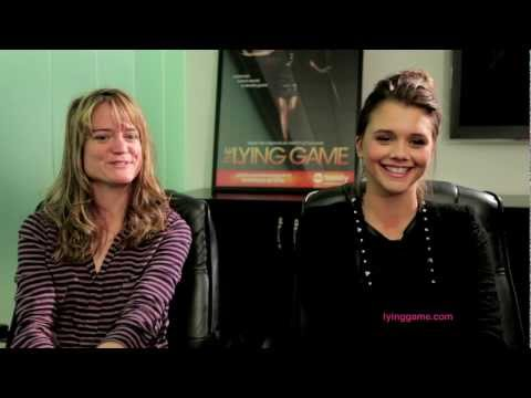 Lying Game Author Sara Shepard and Actress Alexandra Chando Chat