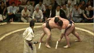 20120909 大相撲9月場所初日 白鵬vs栃ノ心.