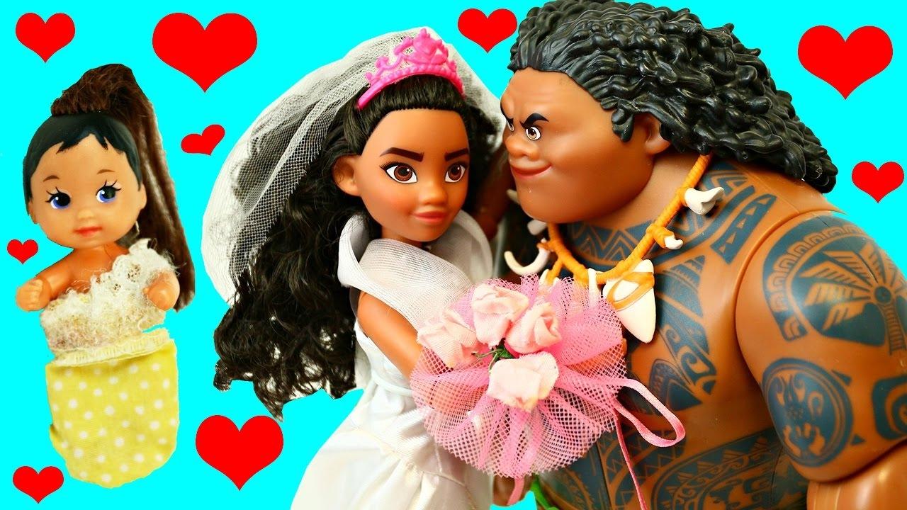 MOANA & MAUI Get Married & Have a Baby Funny Barbie ...