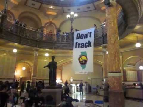 Fracking banner drop, state capitol of Illinois.