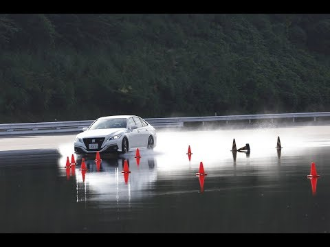 トヨタ クラウン 20 RS アドバンス vs BMW 440i グランクーペ Mスポーツウェット旋回ブレーキ編DST♯12105