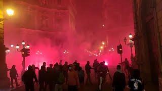Palermo, petardi contro la polizia al corteo anti-lockdown. Baristi applaudono le forze dell'ordine