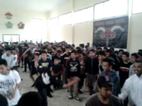 Do For Something (MCHC) @gedung pramuka, born to be free #2