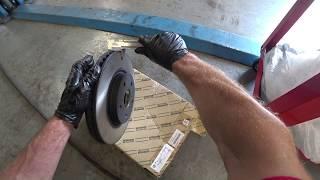Lexus IS250 /2014г.в./ 93000км./Замена передних тормозных дисков